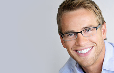 Dentist in Simi Valley Reveals How to Make You Look Younger